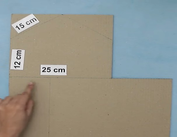 Кукольный домик из картонной коробки