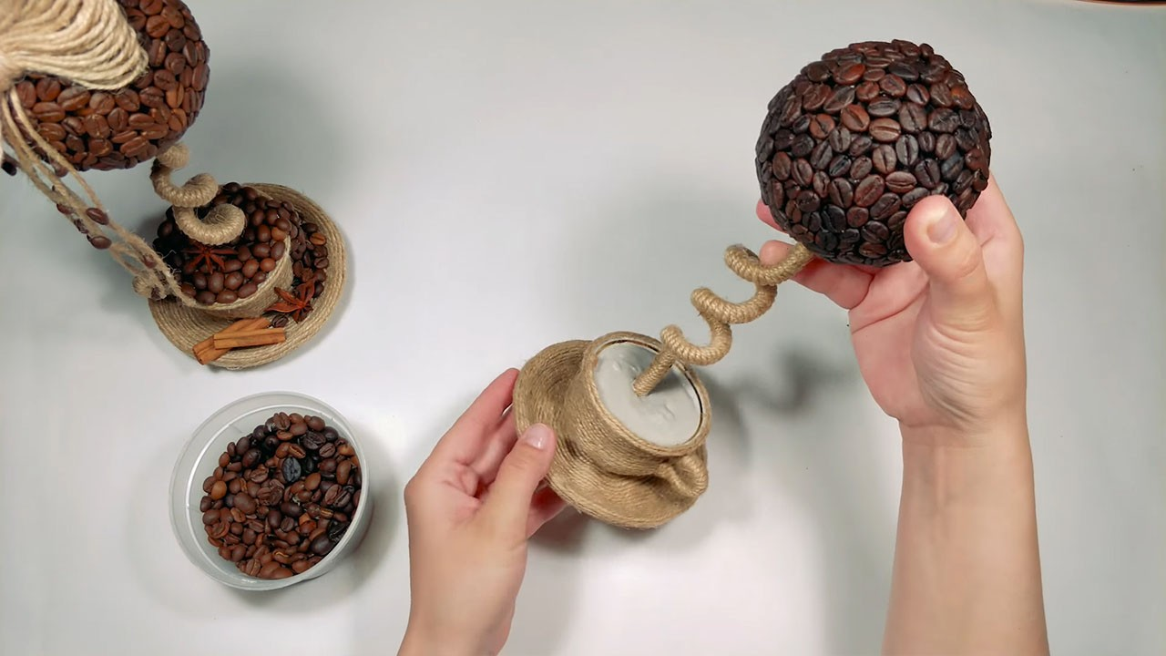 Делаем топиарий из кофейных зерен