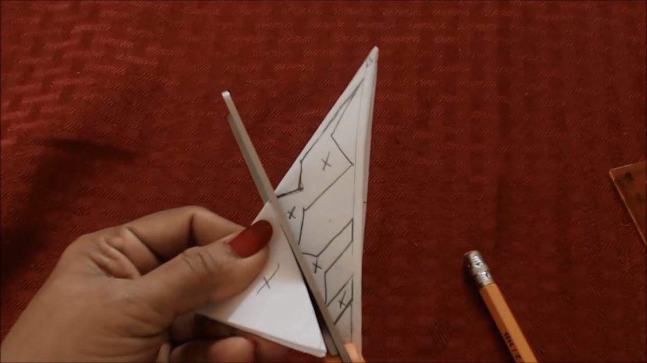Простая снежинка из бумаги
