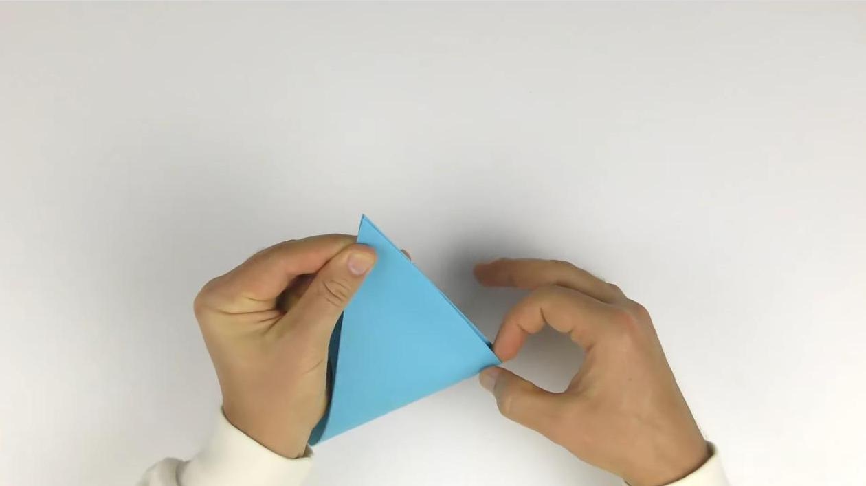 Конверт из бумаги А4 без клея и скотча