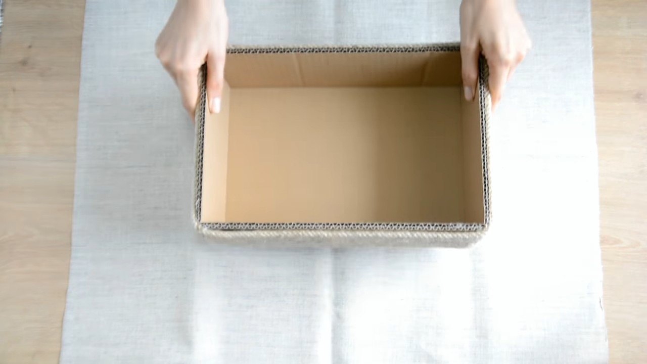 Стильная коробка для хранения вещей из того что было под рукой