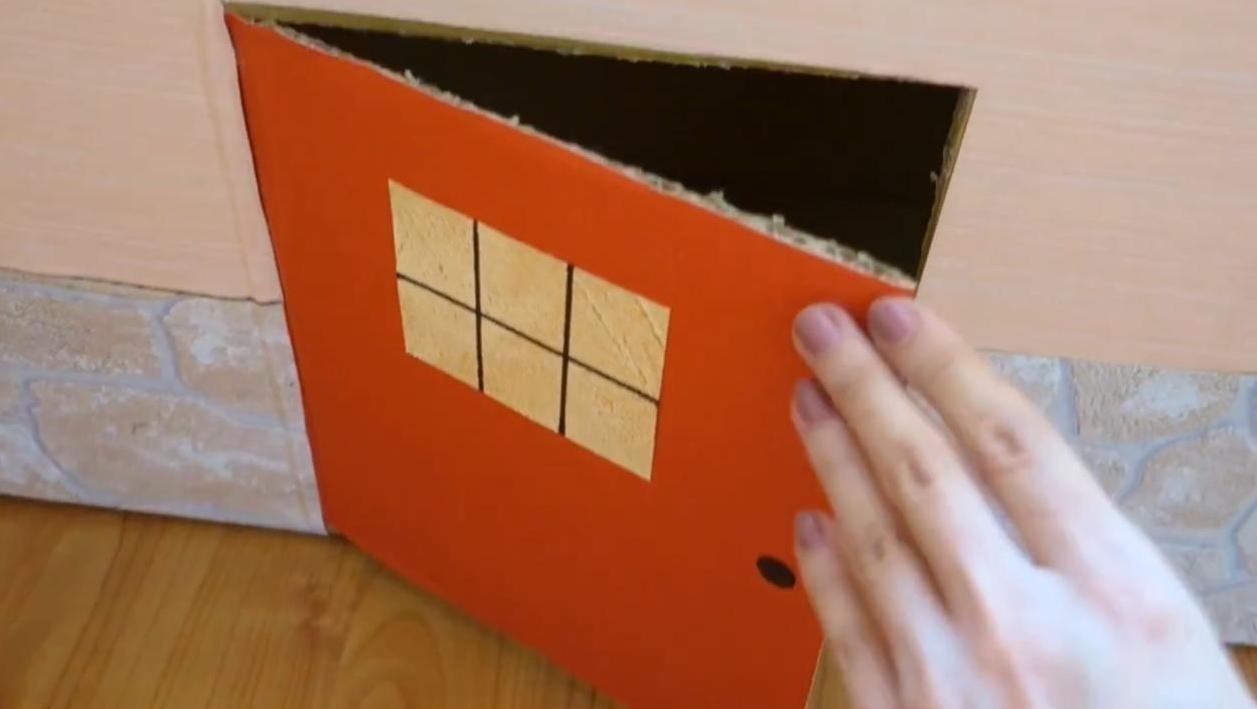 Уютный домик для кота из коробки