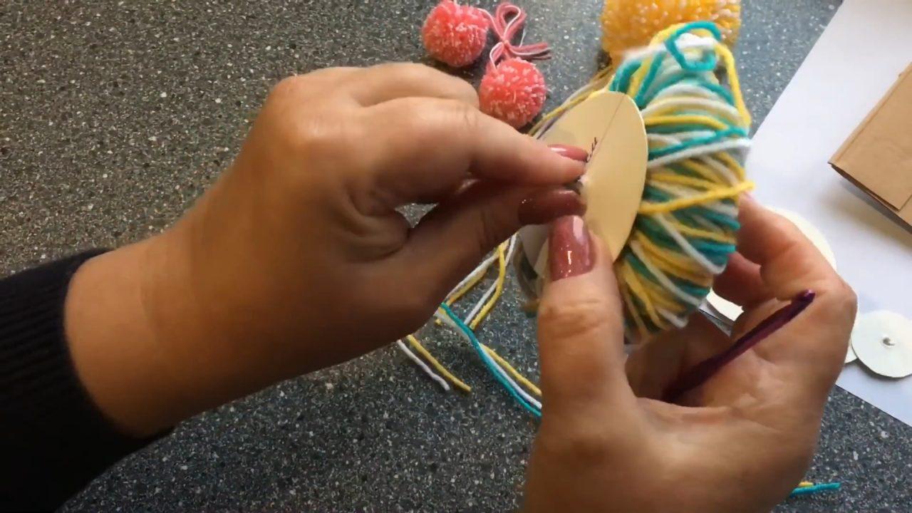 Как сделать помпон из пряжи