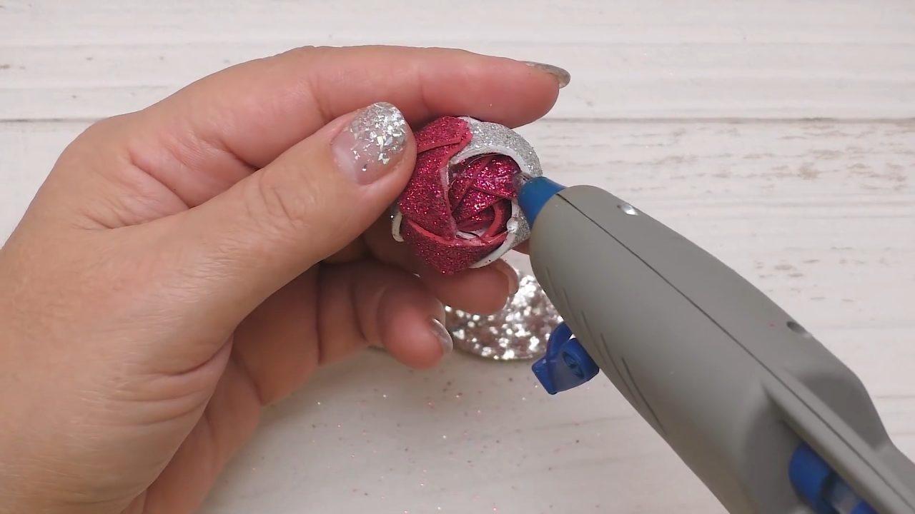 Нежная роза из фоамирана