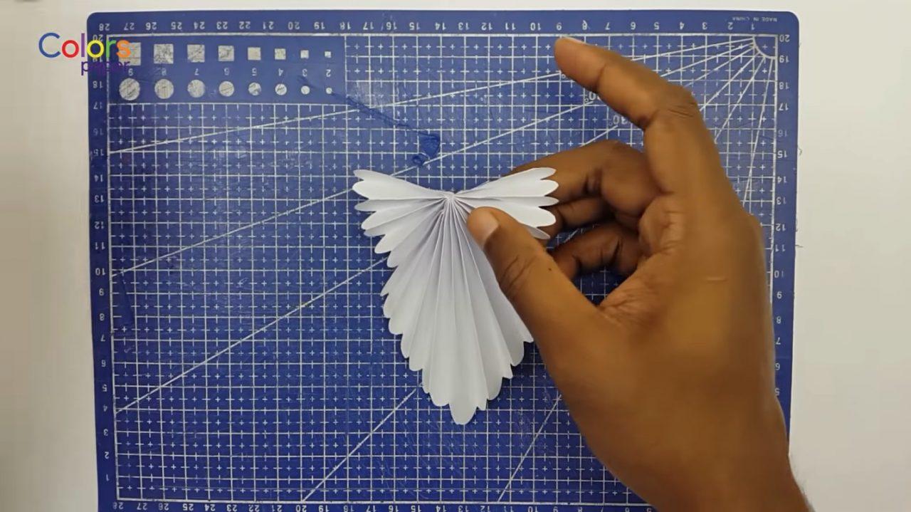 Бумажный ангелочек для украшения дома