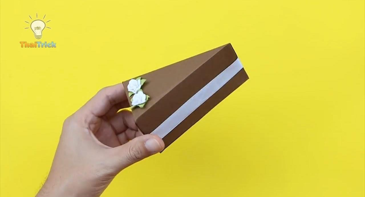 «Аппетитный» бумажный торт с секретом