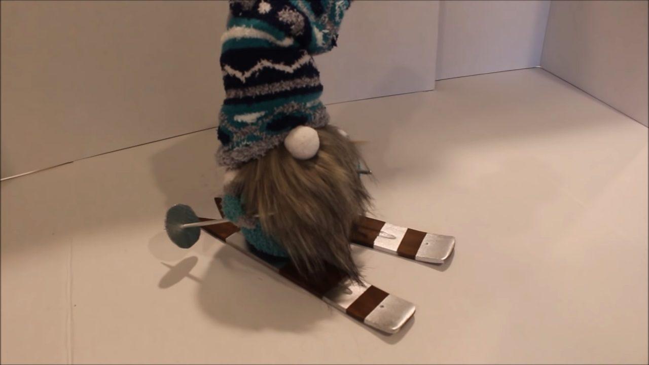 Скандинавский новогодний гномик. Попробуй сделать сам!