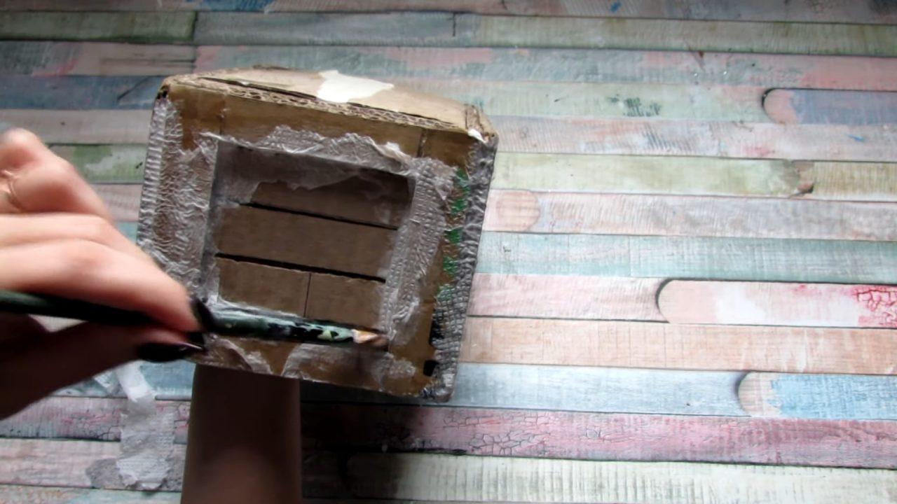 Пиратский сундук из картонной коробки