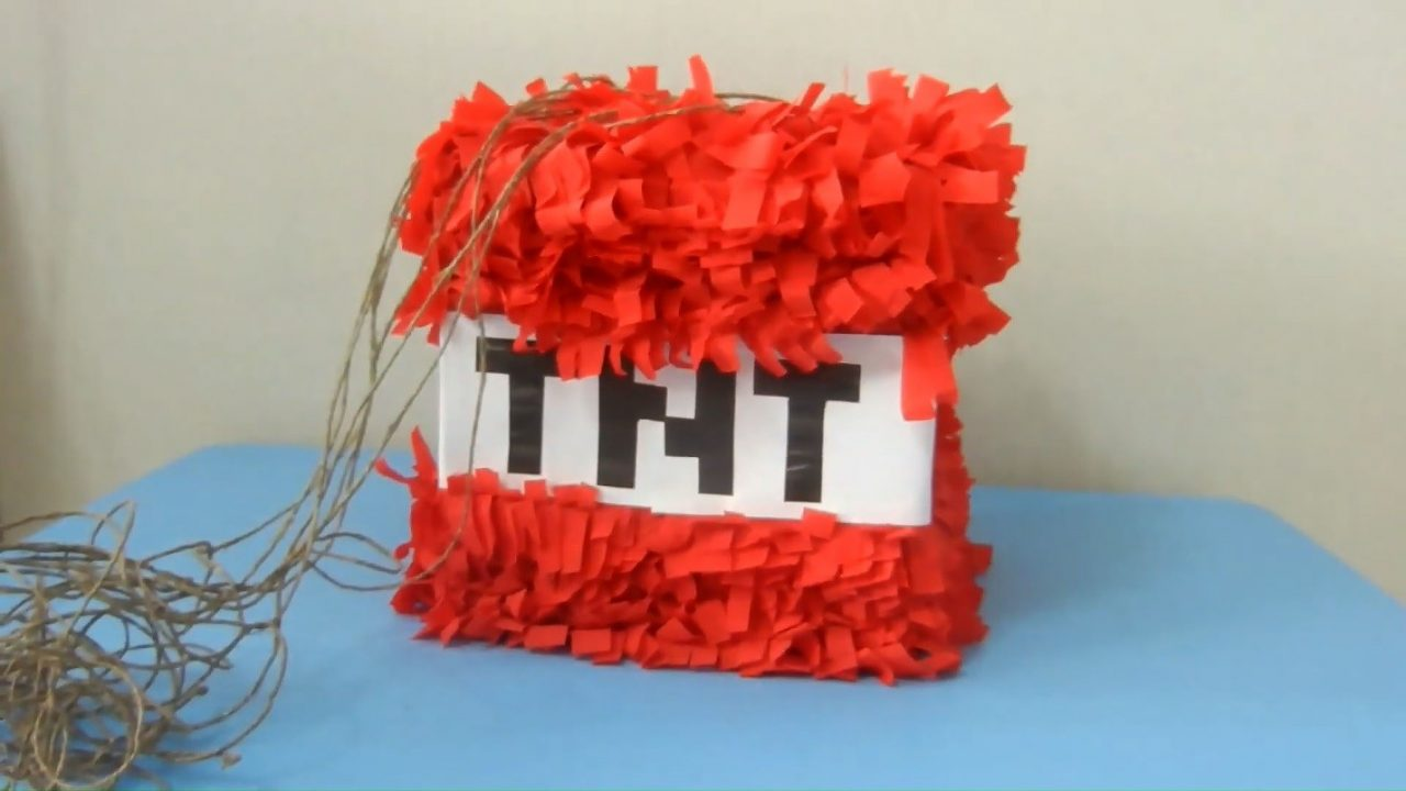 Собираем «Взрывную» пиньяту Minecraft из коробки