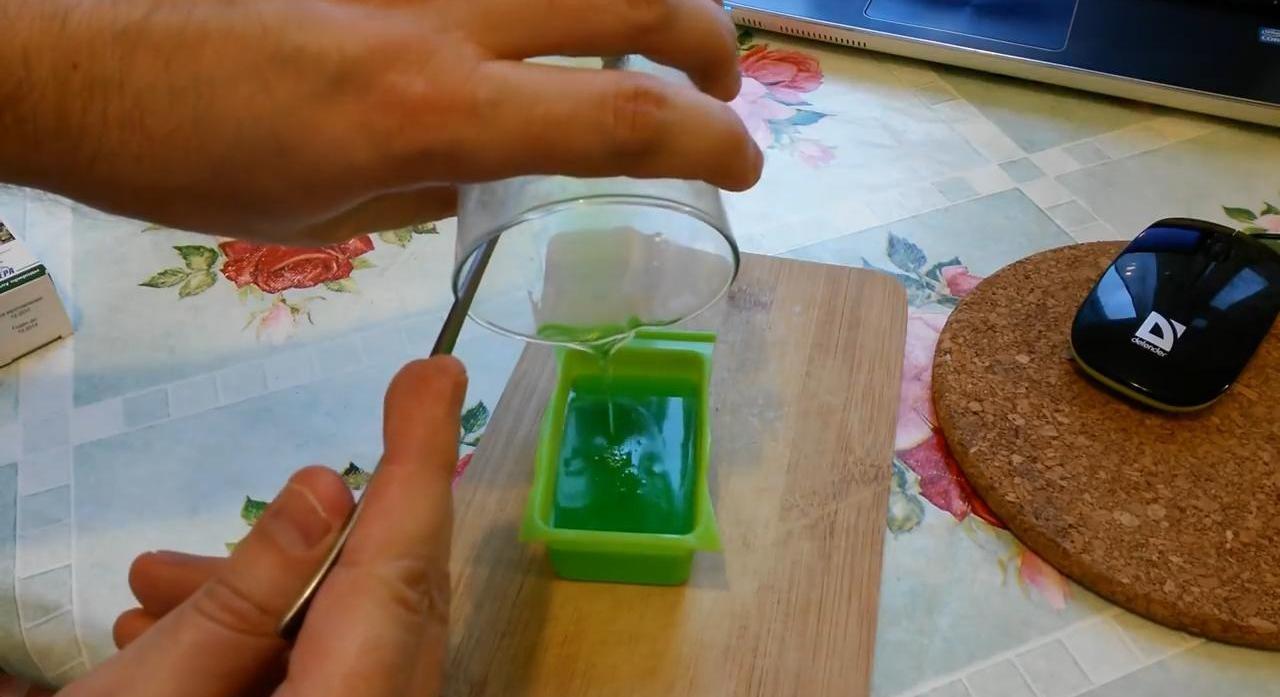 Мыло своими руками (рецепт для начинающих)