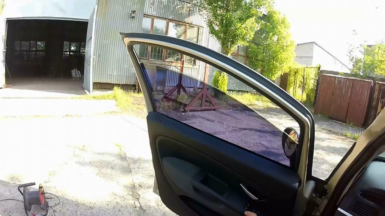 Как снять старую тонировку со стекла авто легко и быстро