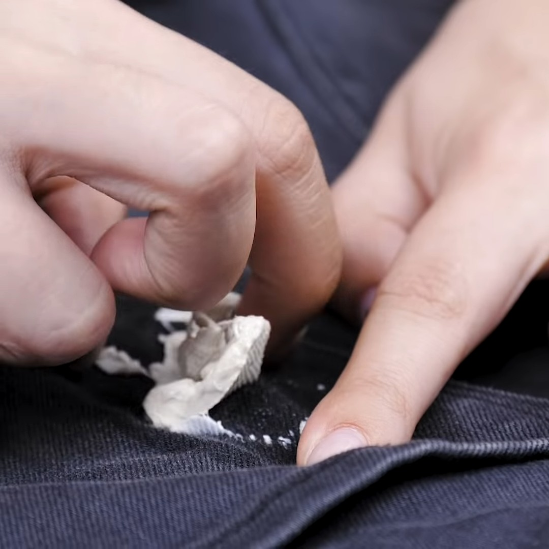 Как легко и быстро удалить жвачку с одежды