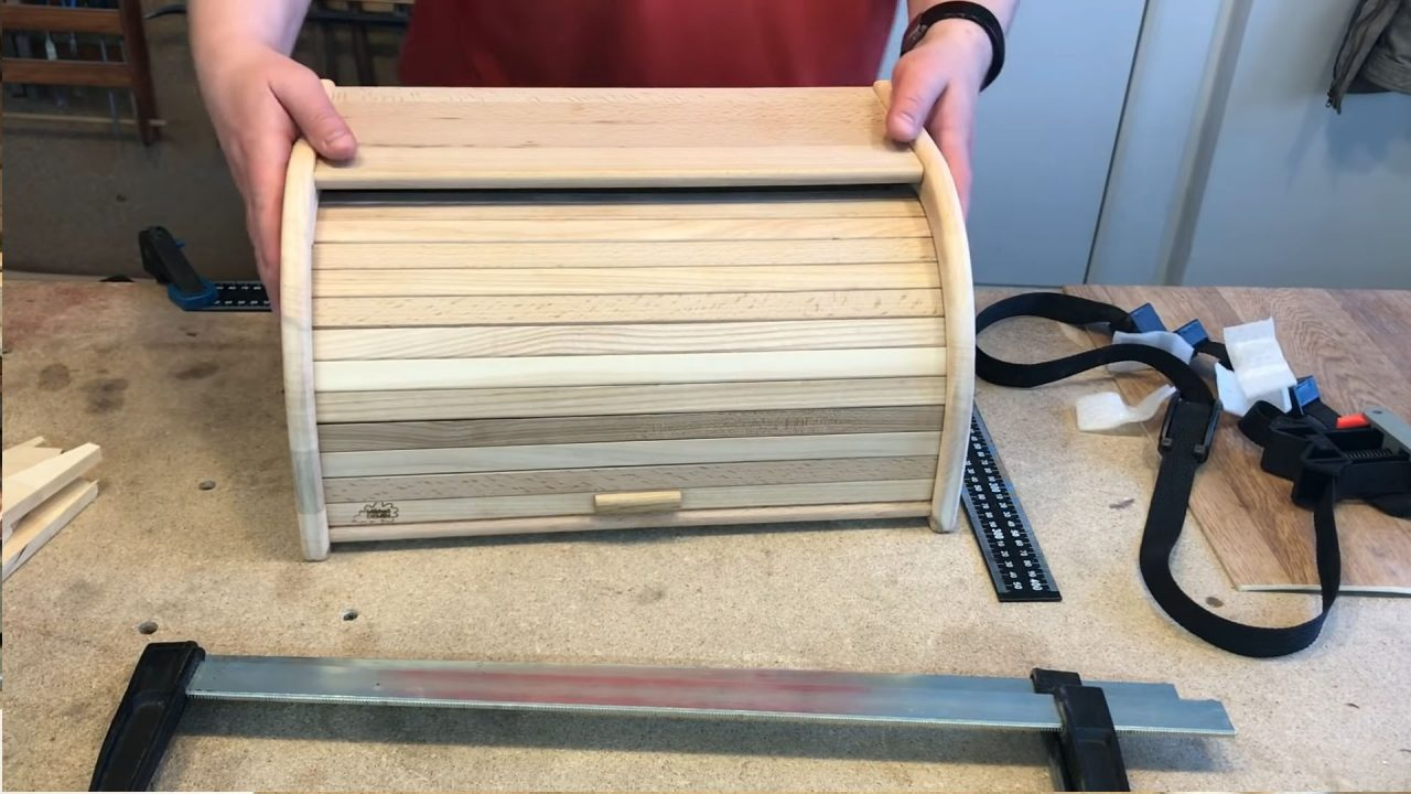 Удобная и стильная деревянная хлебница своими руками
