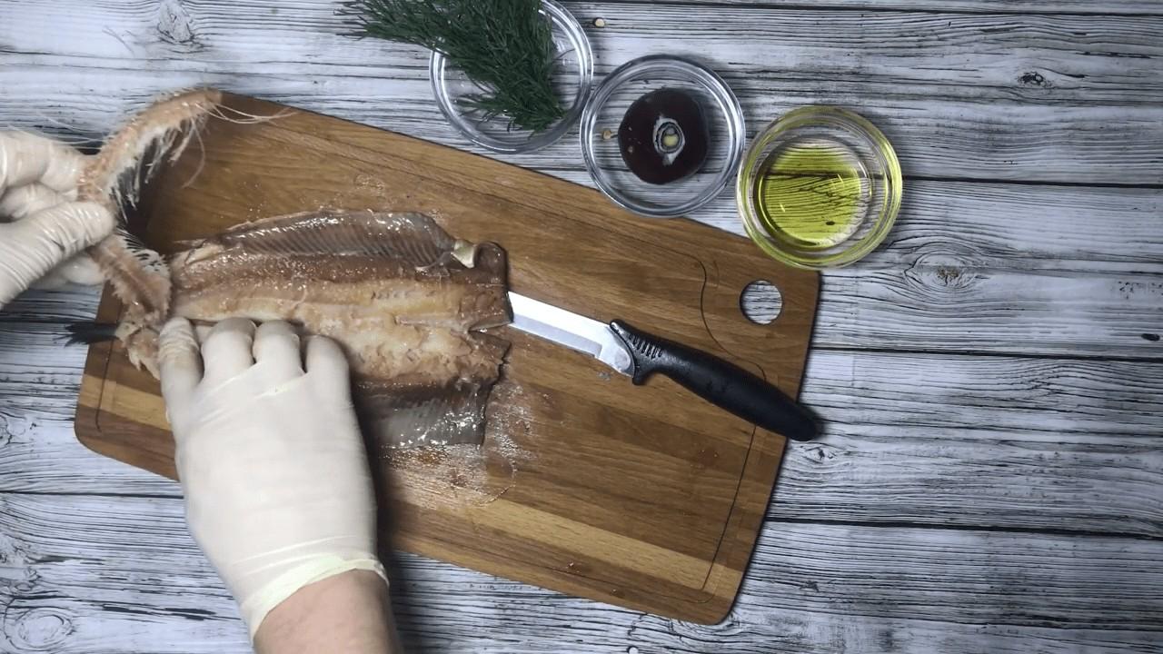 Как быстро почистить и разделать селедку на филе