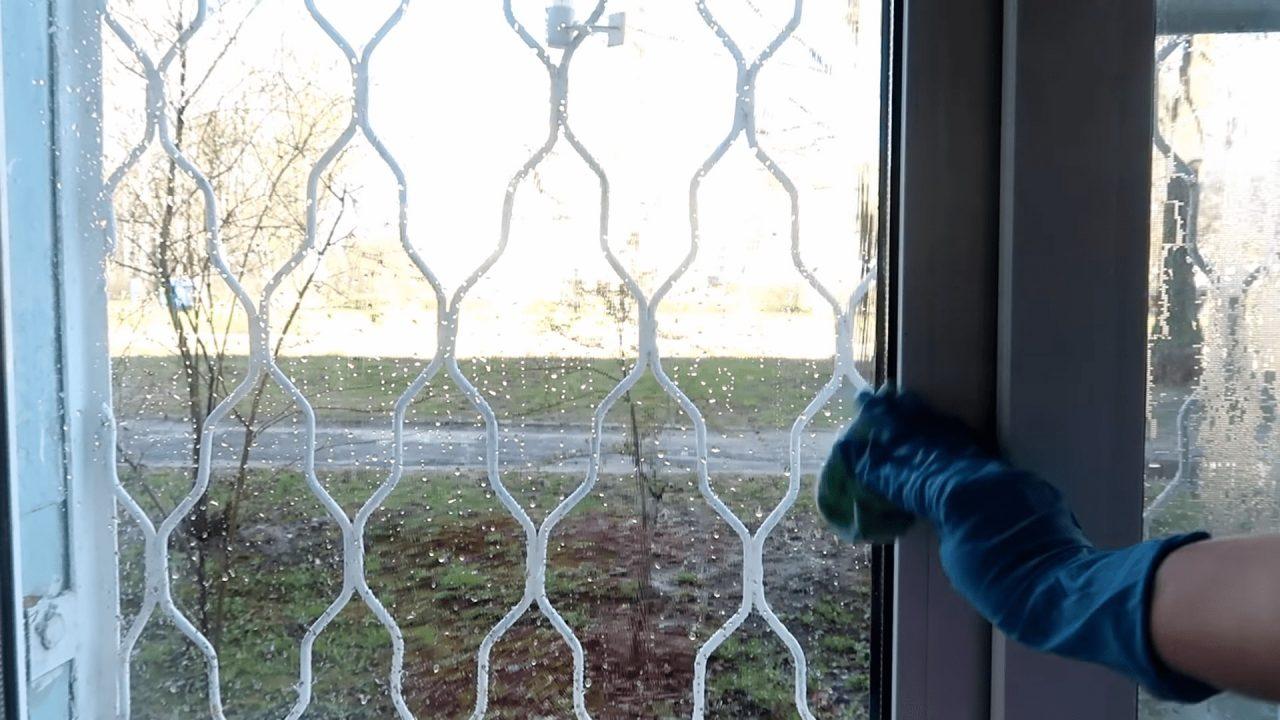 Как правильно мыть окна без разводов