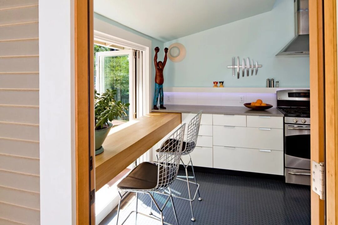 Современные кухонные интерьеры. 250 красивых и практичных идей в картинках