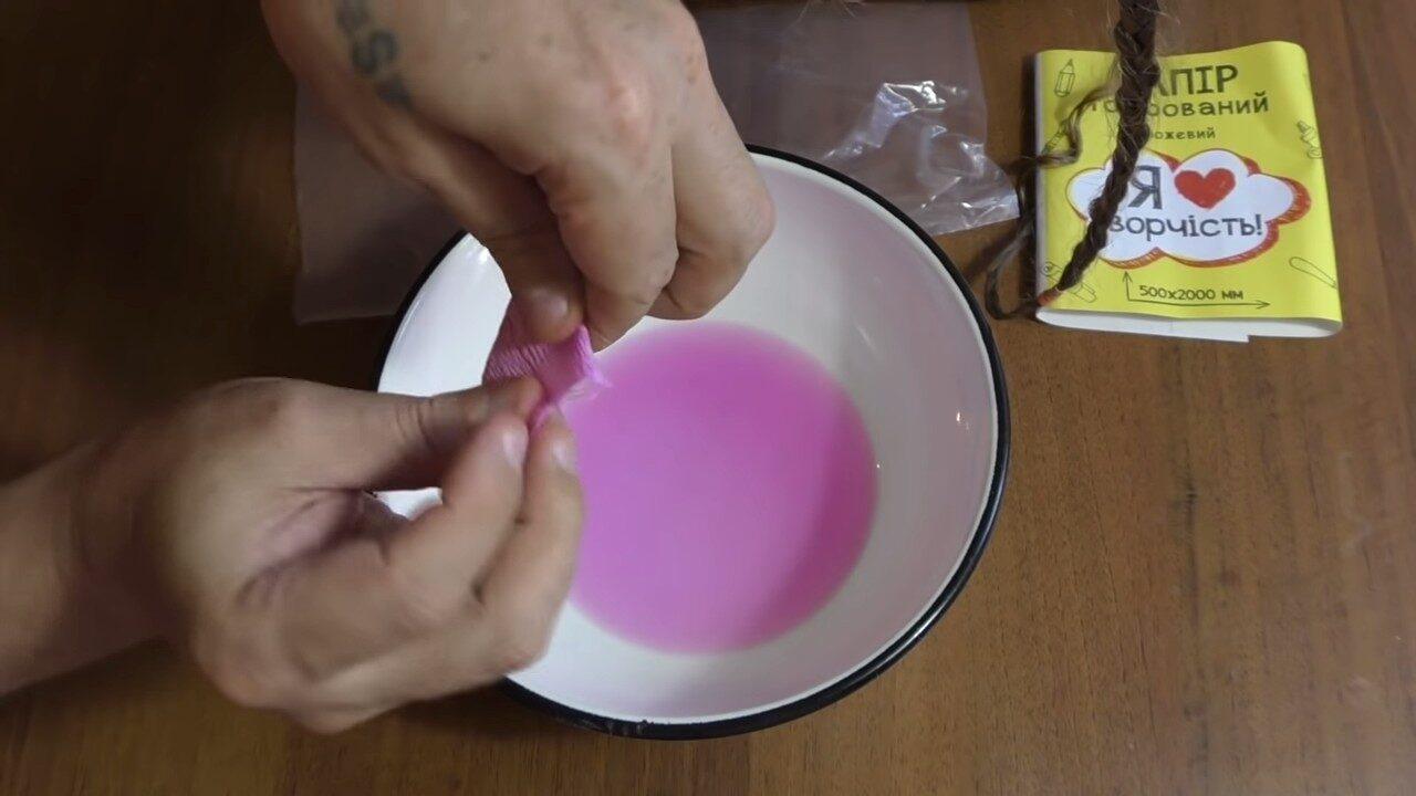 Как покрасить волосы с помощью гофрированной бумаги
