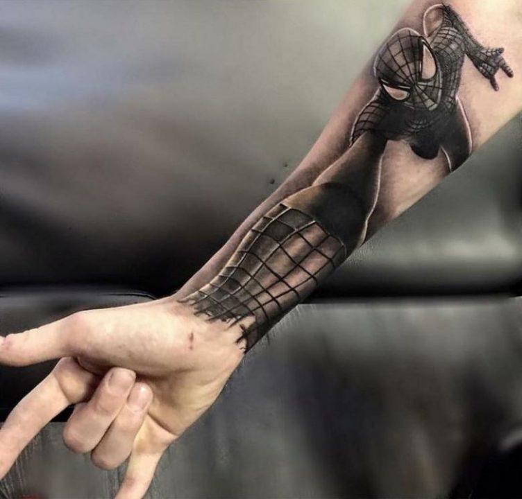 160 мужских эскизов тату на руке