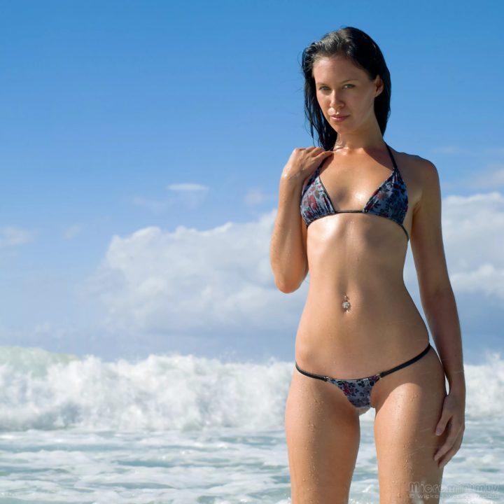 140 фото красивых девушек в купальниках
