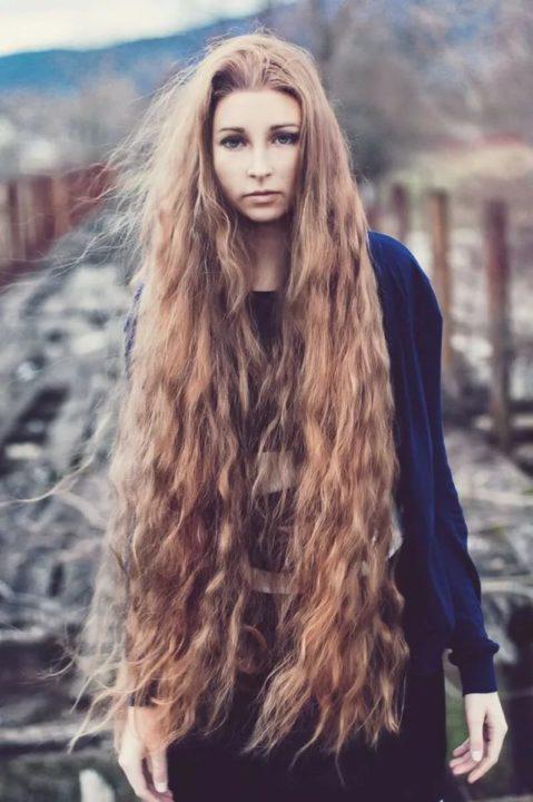 Девушки с длинными волосами (110 фото)