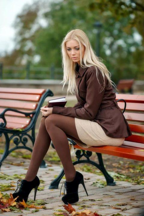Женские ножки в колготках: 220 фото